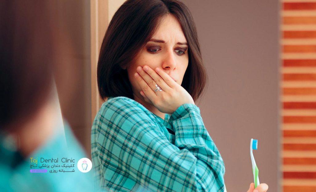 خانم بارداری که التهاب لثه دارد